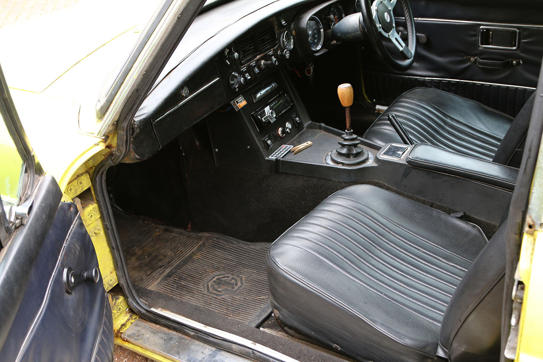 MGBGT 1972 Citron Coachwork, Black Leather, Needs Restoratio For Sale (picture 4 of 6)