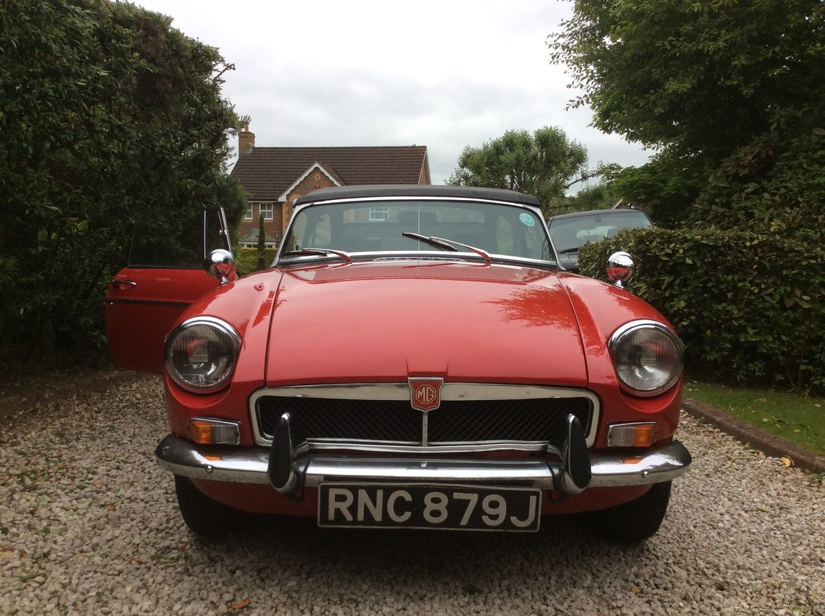 Amazing MKII 1970 Red MGB Roadster For Sale (picture 6 of 6)