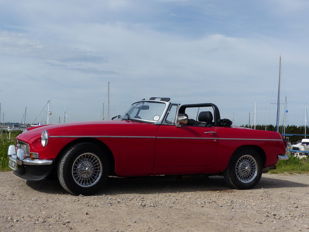 1981 V8 MGB Roadster SOLD (picture 1 of 5)
