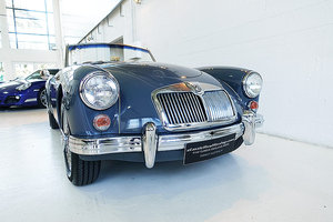 Picture of 1960 stunning 1600 Deluxe in Katoomba Grey over Deep Red SOLD