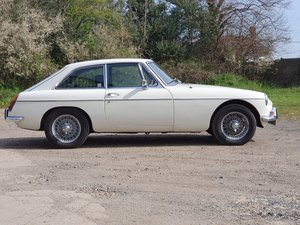 MG B GT, 1970, Old English White SOLD