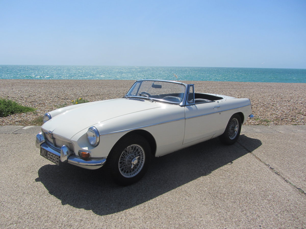 1967 MGB Roadster  SOLD (picture 1 of 6)