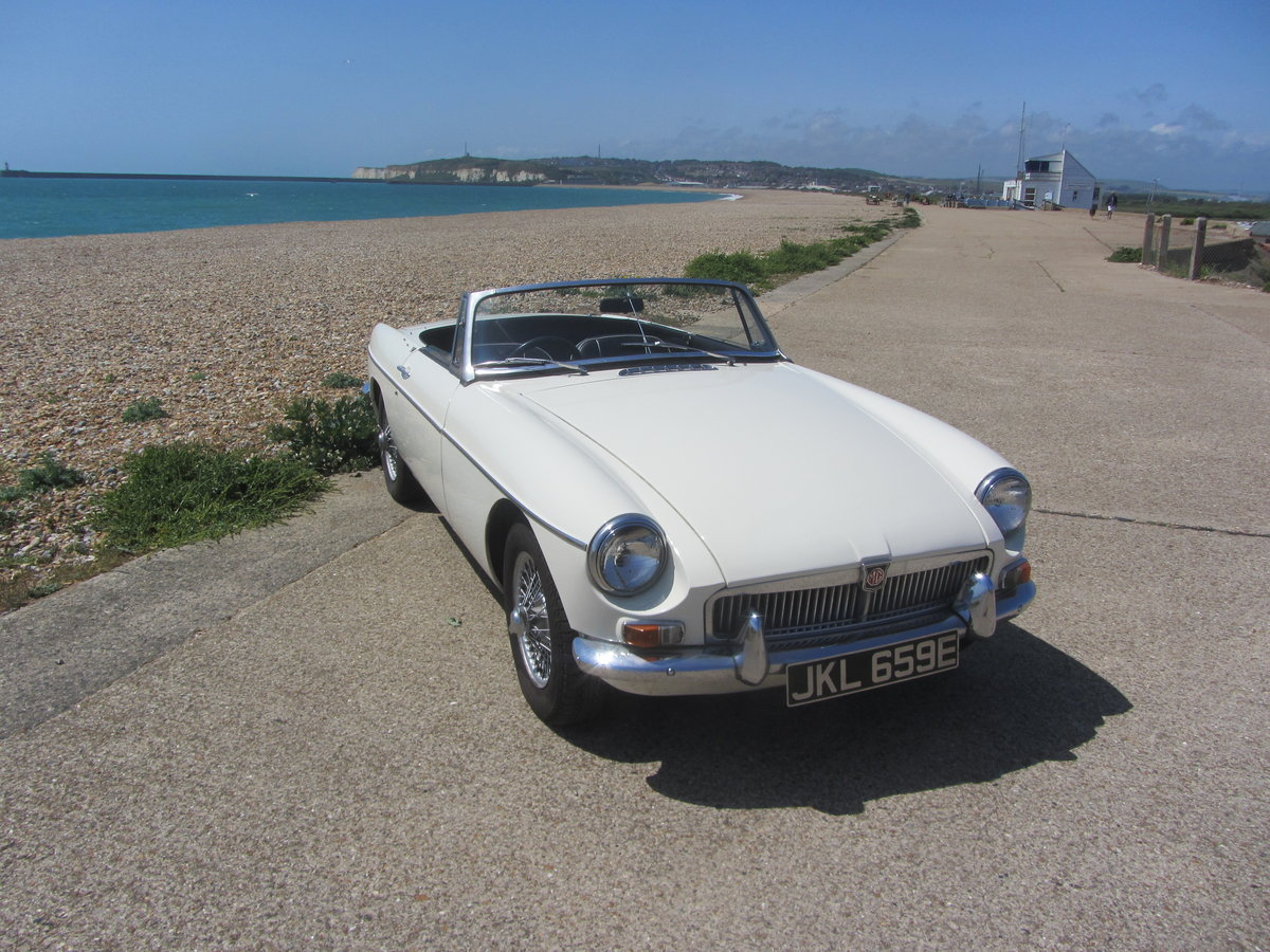 1967 MGB Roadster  SOLD (picture 2 of 6)