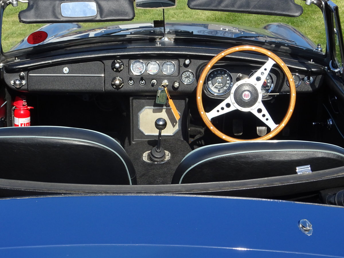 1967 MGB Lovely early example in outstanding condition For Sale (picture 5 of 6)