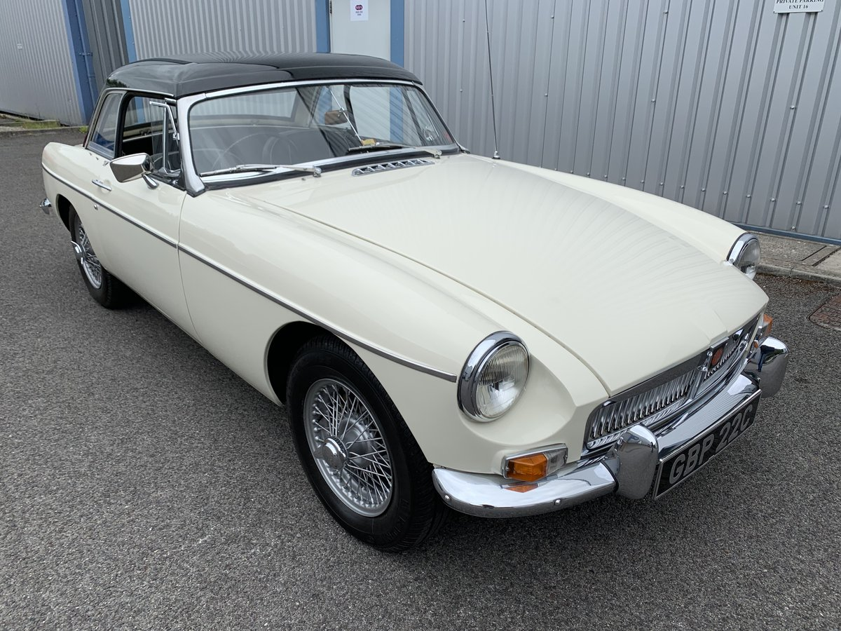 1965 MGB Roadster SOLD (picture 1 of 6)