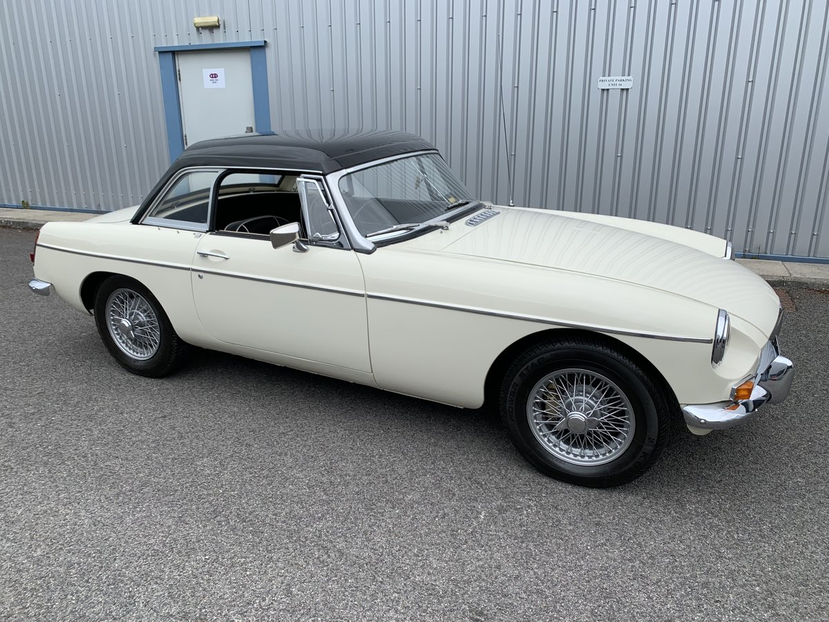 1965 MGB Roadster SOLD (picture 2 of 6)