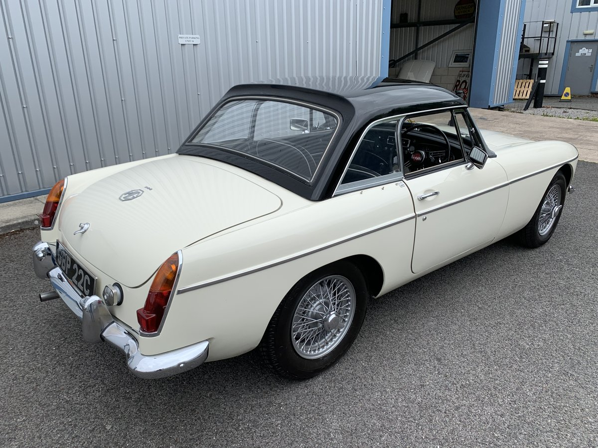 1965 MGB Roadster SOLD (picture 3 of 6)