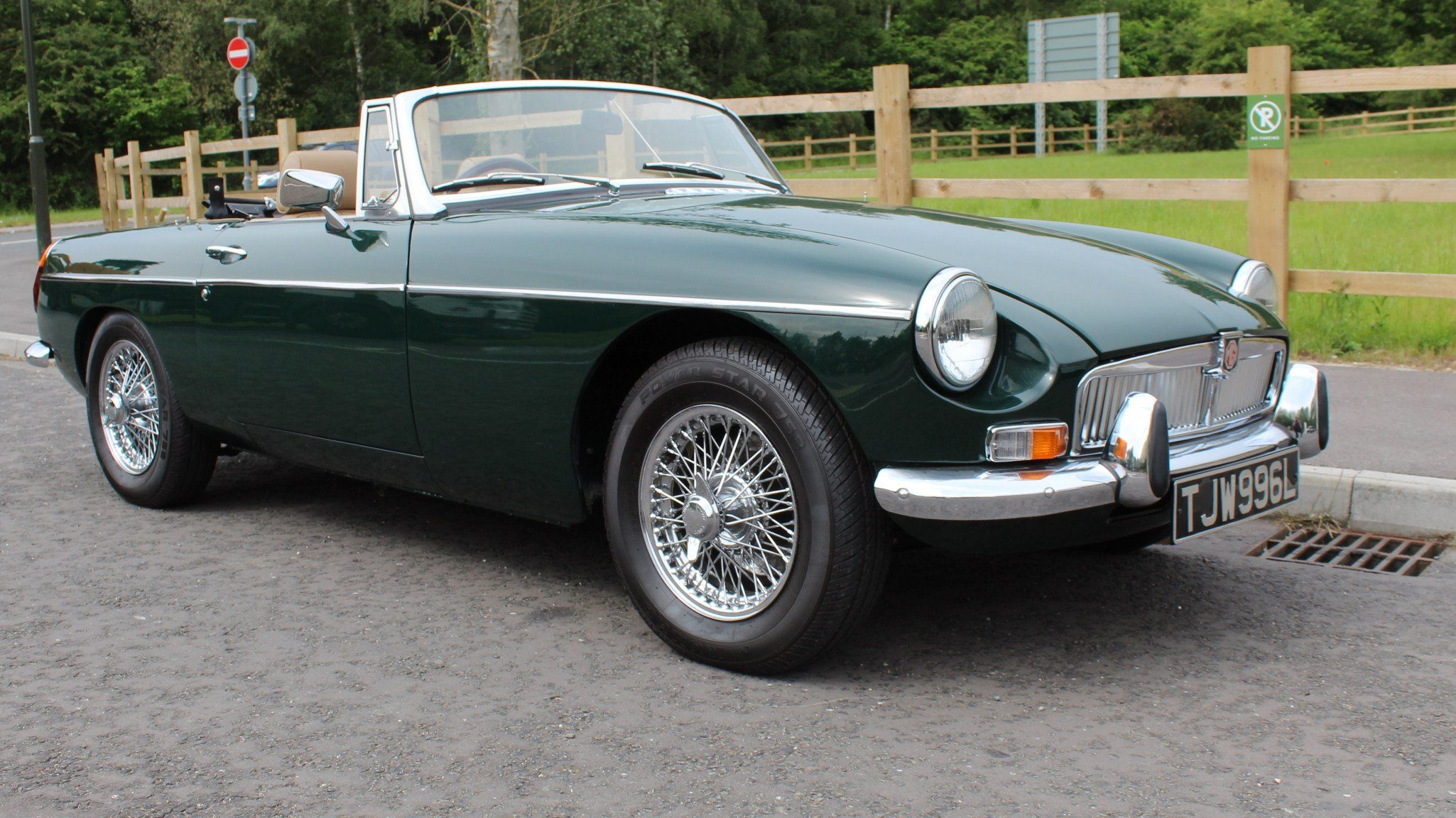 1973 MGB Roadster With O/D Original UK RHD SUPERB SOLD (picture 1 of 6)