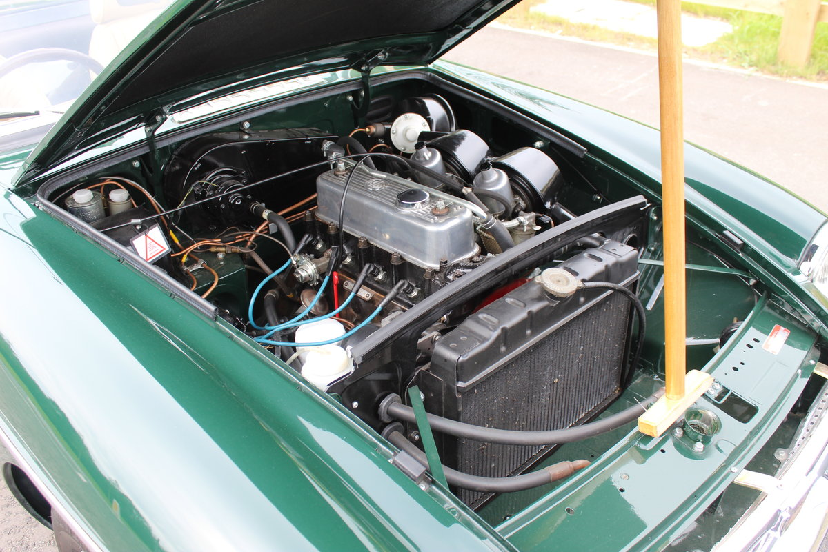 1973 MGB Roadster With O/D Original UK RHD SUPERB SOLD (picture 6 of 6)