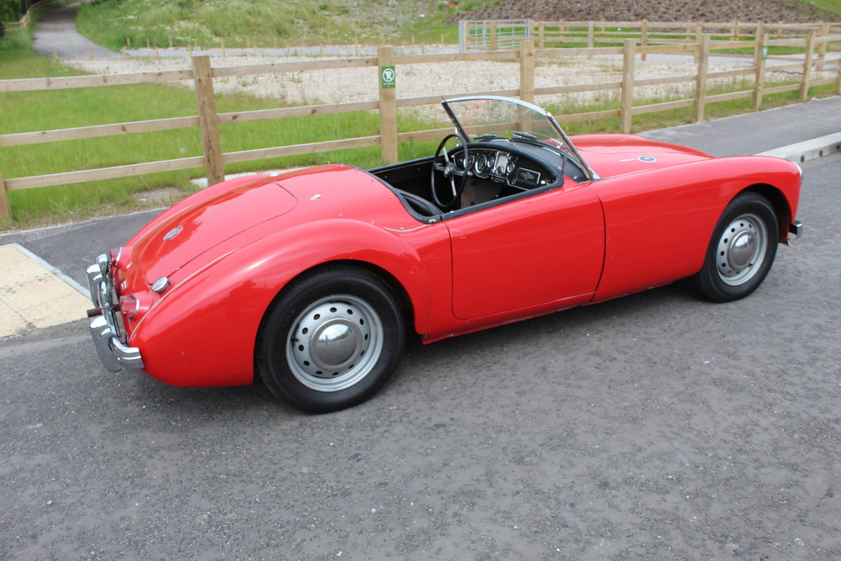 1961 MGA 1600 MK2 Roadster LHD Very Good Condition  SOLD (picture 3 of 6)
