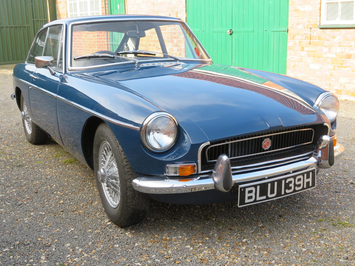 1969 mgb gt coupe*automatic*rare model*wire wheels For Sale (picture 1 of 6)