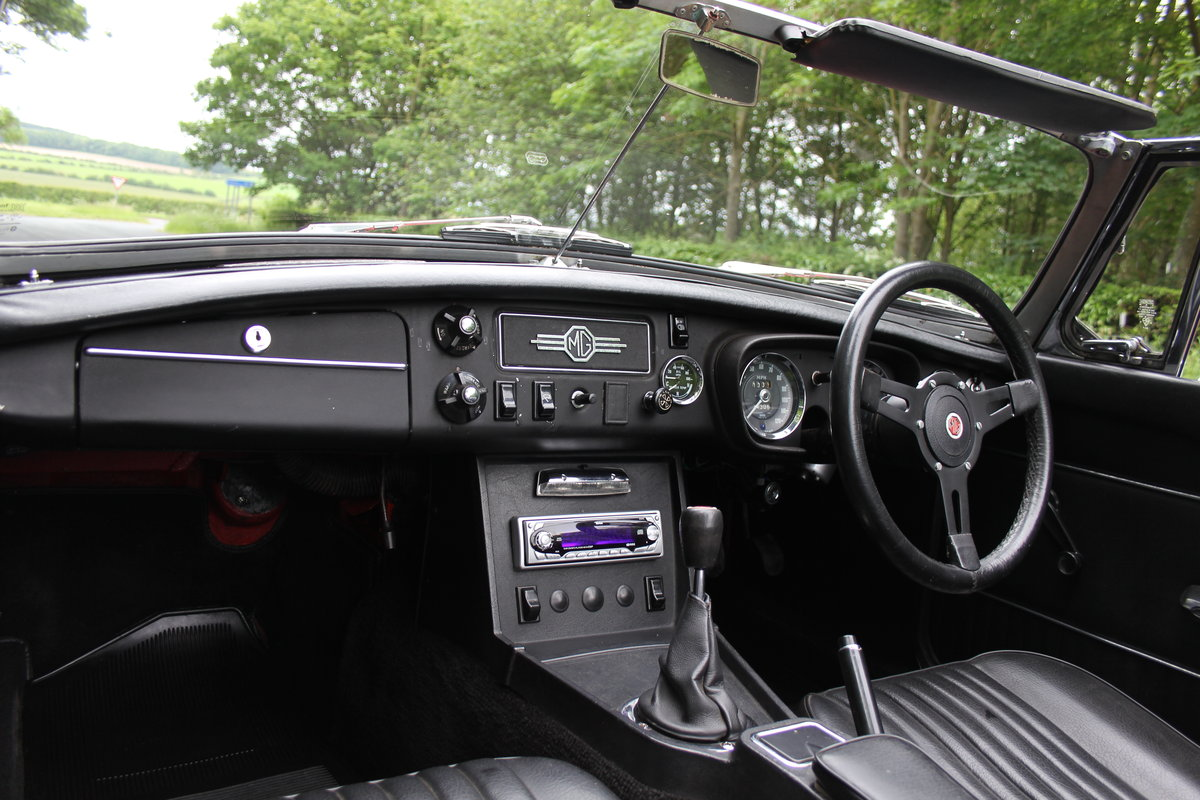1970 MGB Roadster - UK car, overdrive, CWW For Sale (picture 9 of 12)