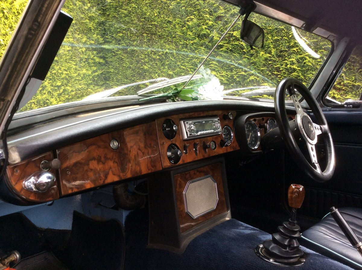 1969 MGB V8 Roadster For Sale (picture 3 of 4)