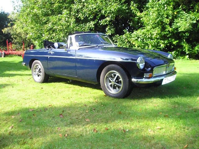 1978 Midnight blue MGB Roadster For Sale (picture 2 of 6)