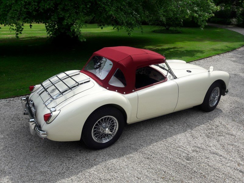 Mga old englisch white 1958 restored car 31500 euro SOLD (picture 6 of 6)