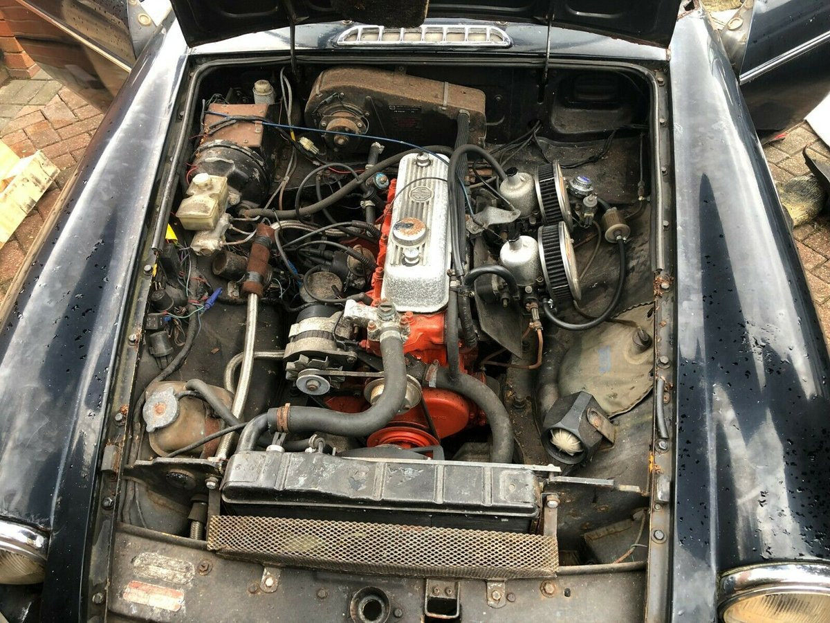 Mgb gt 1.8 for restoration starts & drives 1971 wi For Sale (picture 3 of 5)