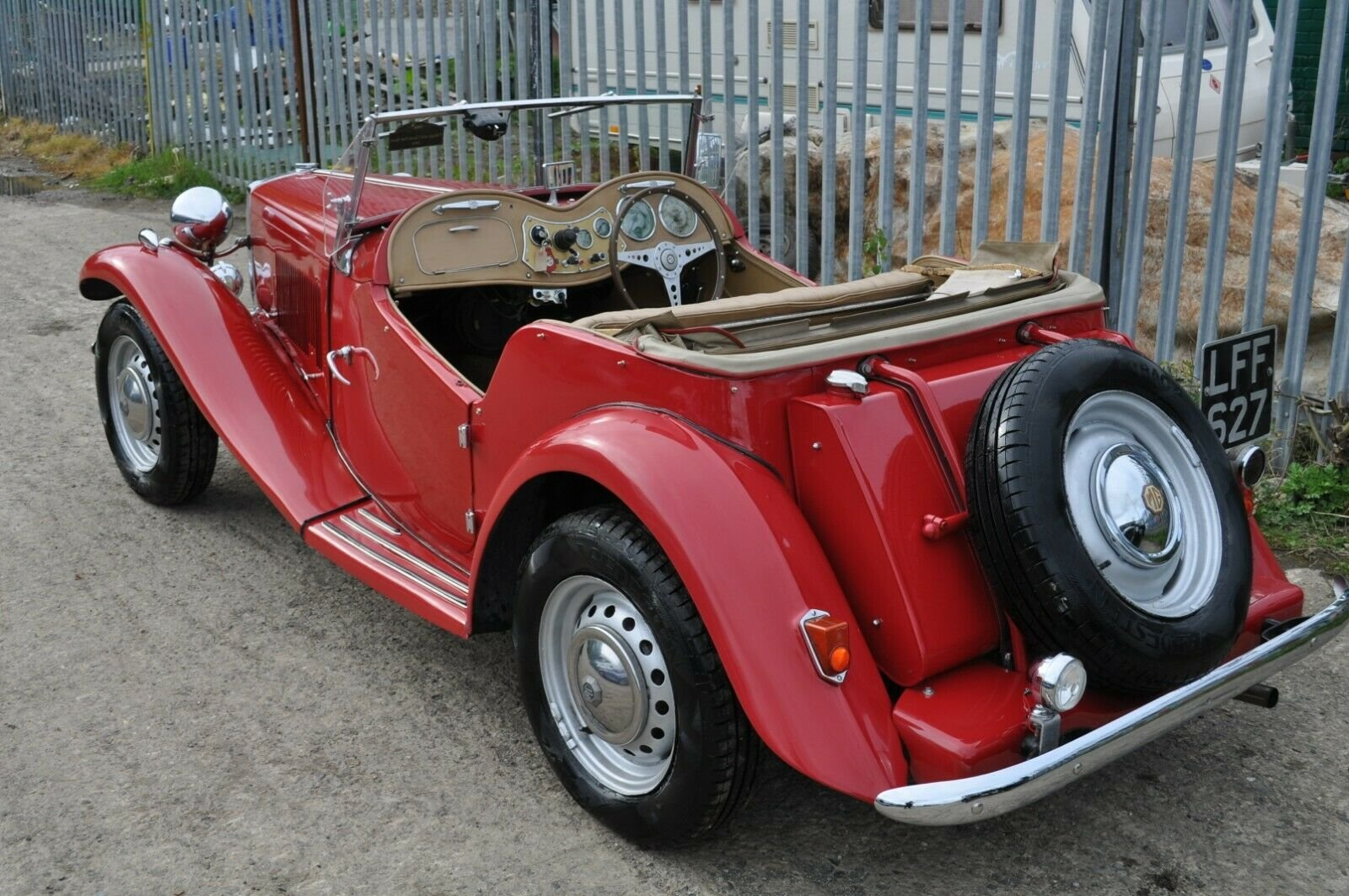 1953 MG TD UK HOME MARKET RHD CLASSIC CAR IN REGULAR USE  SOLD (picture 2 of 6)