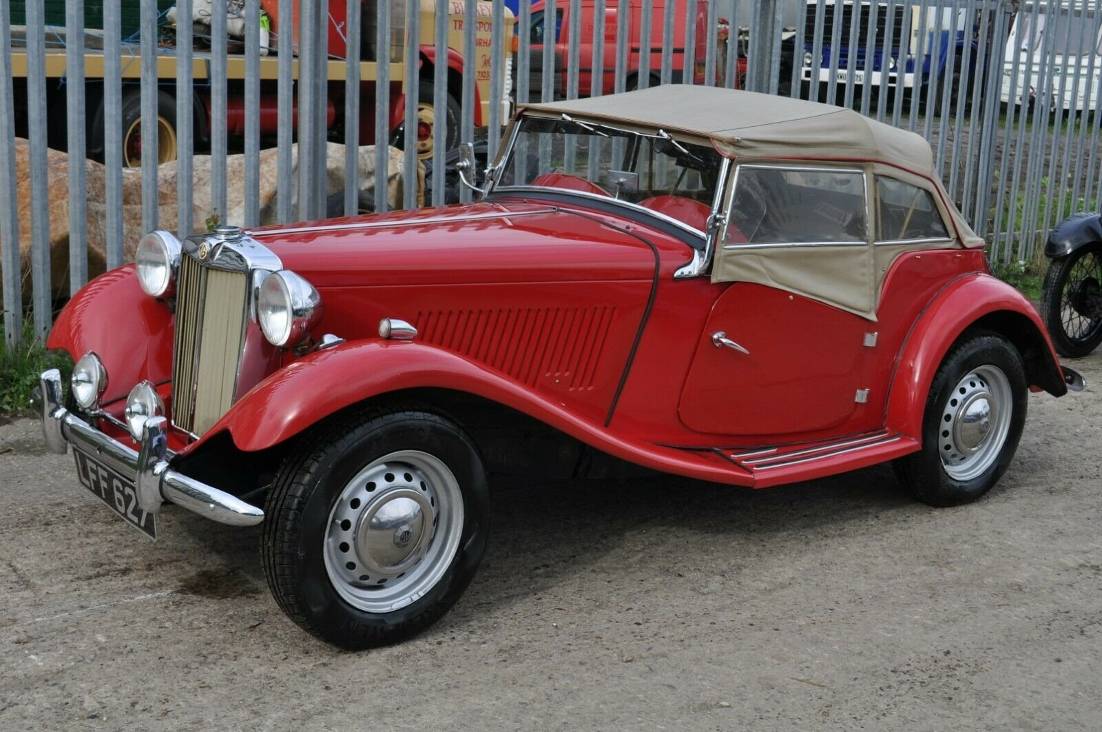 1953 MG TD UK HOME MARKET RHD CLASSIC CAR IN REGULAR USE  SOLD (picture 4 of 6)
