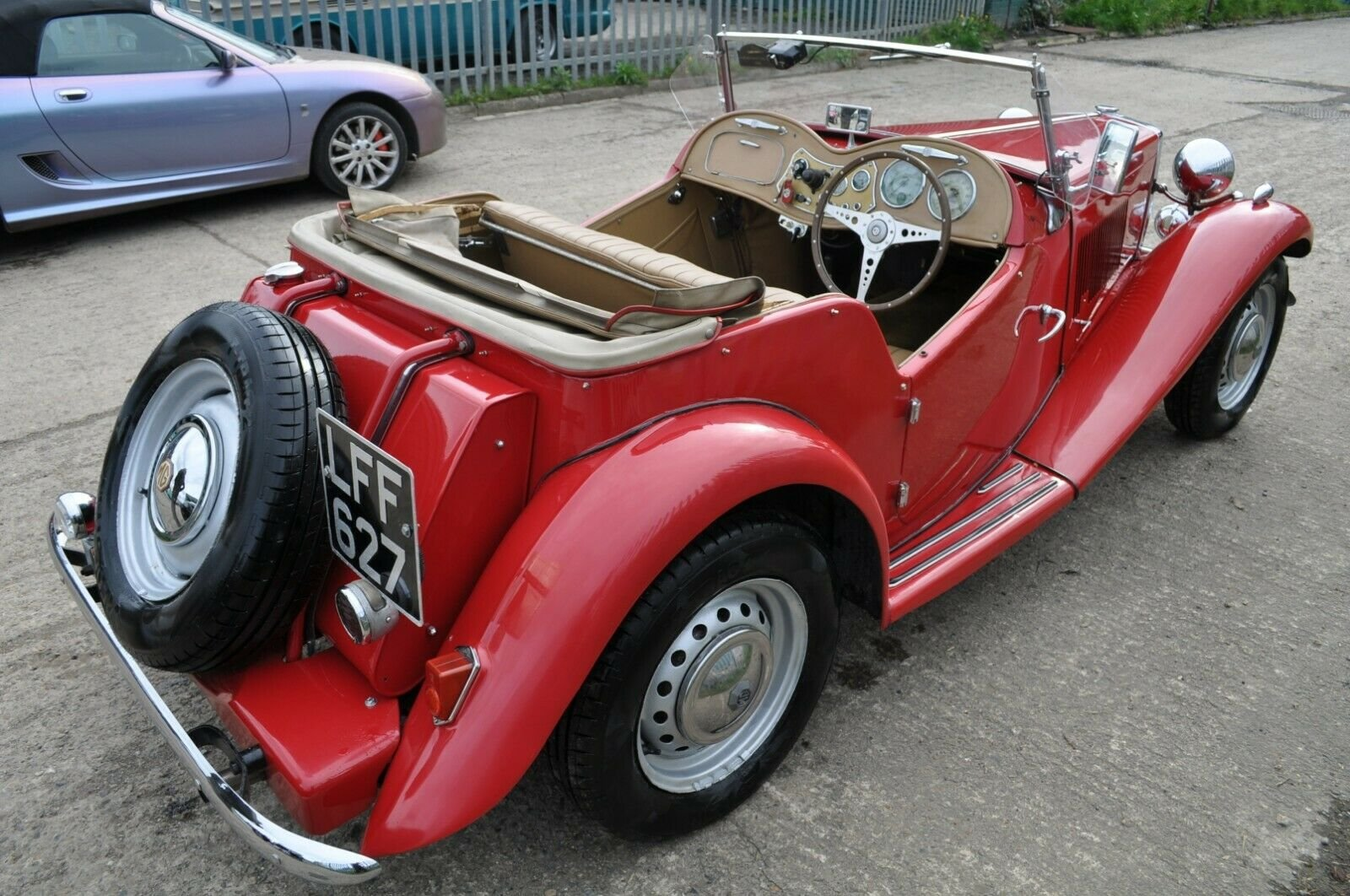 1953 MG TD UK HOME MARKET RHD CLASSIC CAR IN REGULAR USE  SOLD (picture 5 of 6)
