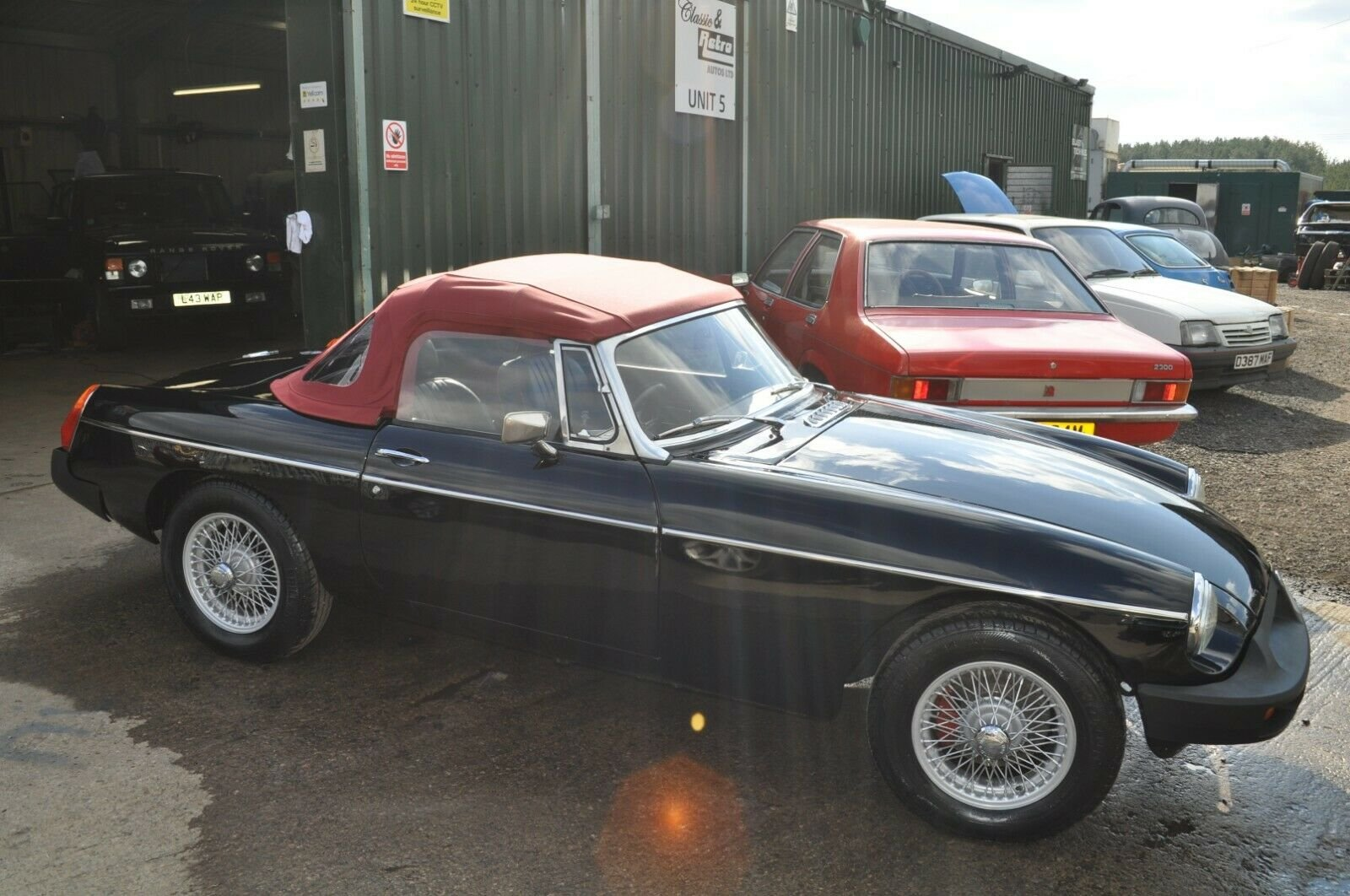 STUNNING MG MGB ROADSTER RESTORED TO AN HIGH STANDARD For Sale (picture 1 of 6)
