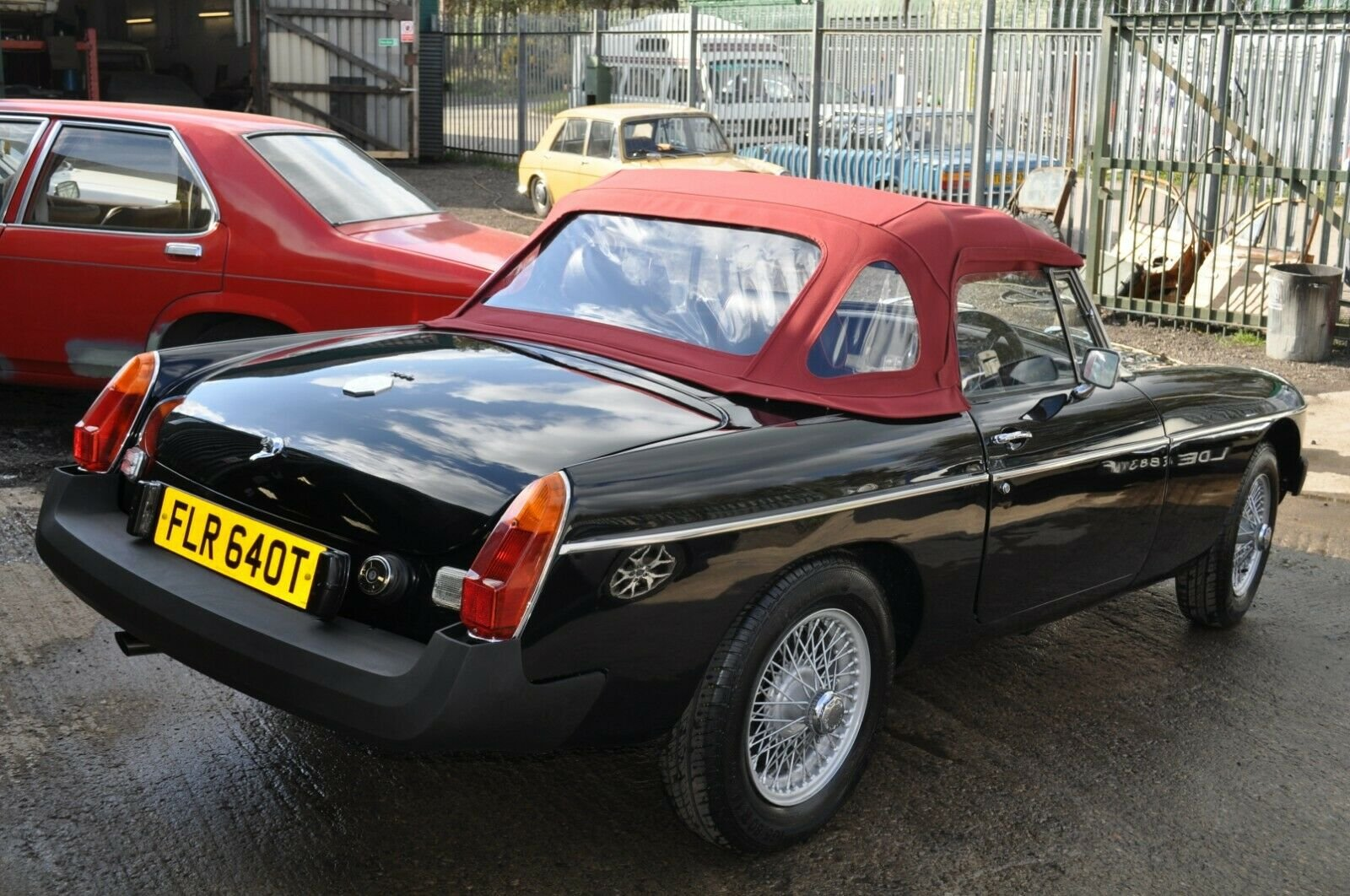 STUNNING MG MGB ROADSTER RESTORED TO AN HIGH STANDARD For Sale (picture 3 of 6)