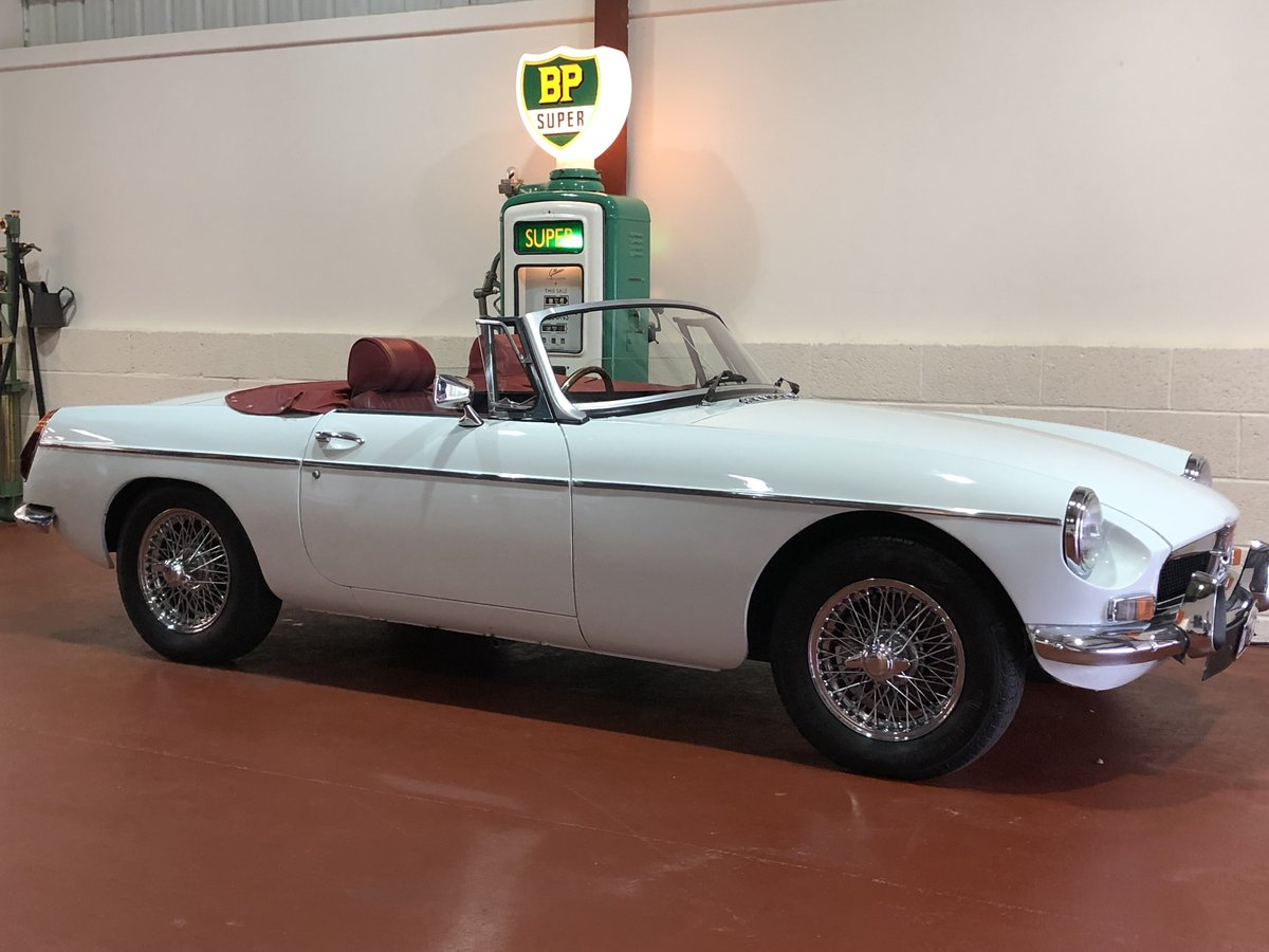 MGB Roadster-1974-Lovely condition-Great combination SOLD (picture 1 of 6)