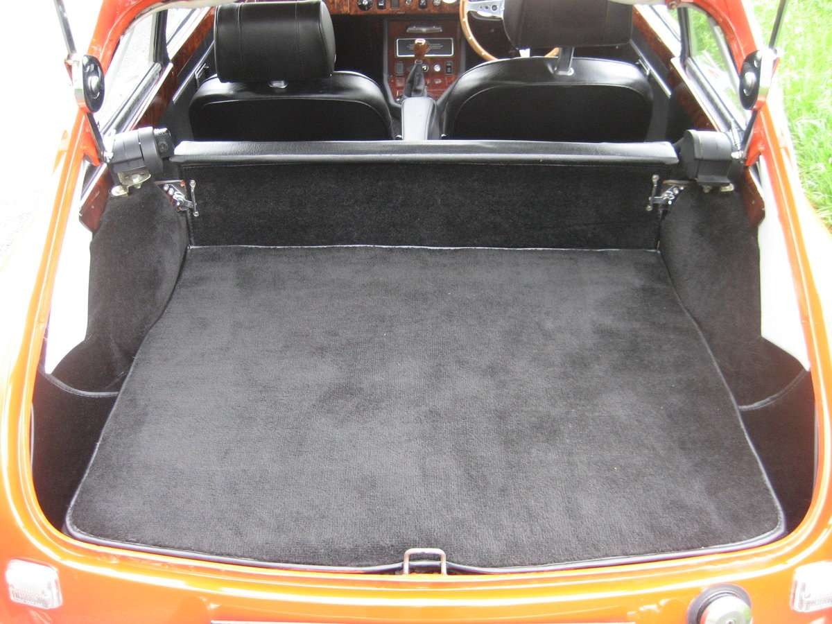 1971 MGB GT totally restored SOLD (picture 6 of 6)