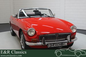 MG B Cabriolet 1973 Chrome wire wheels For Sale