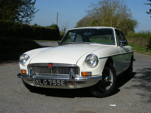1967 MGB GT Old English White
