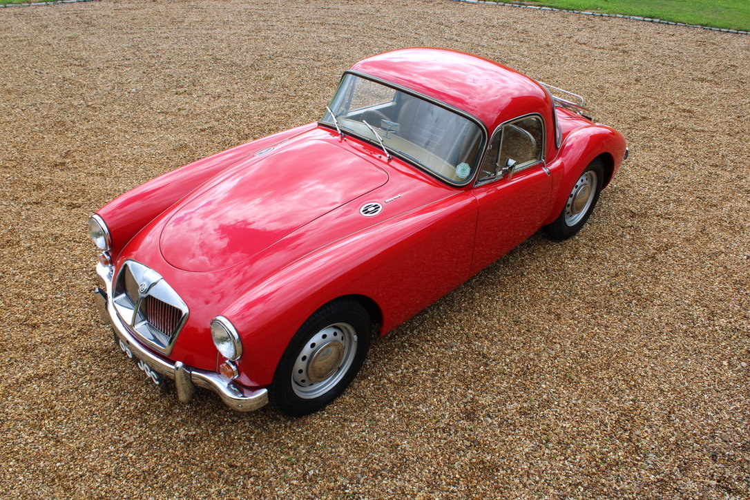 1961 MG A MK2 1600 COUPE - UK CAR For Sale (picture 4 of 12)