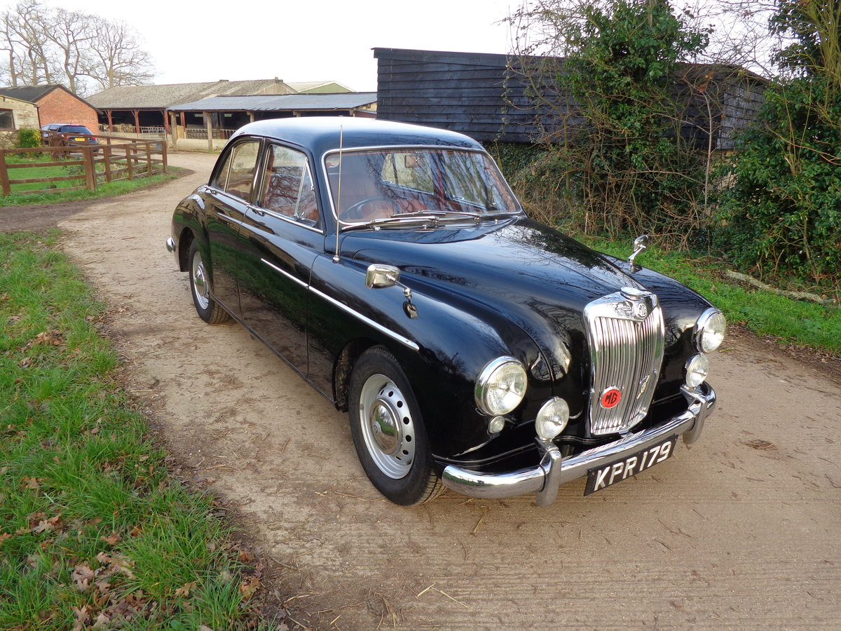 1957 A FULLY REBUILT, LOW MILEAGE, MG MAGNETTE ZB WITH FEW OWNERS For Sale (picture 3 of 6)