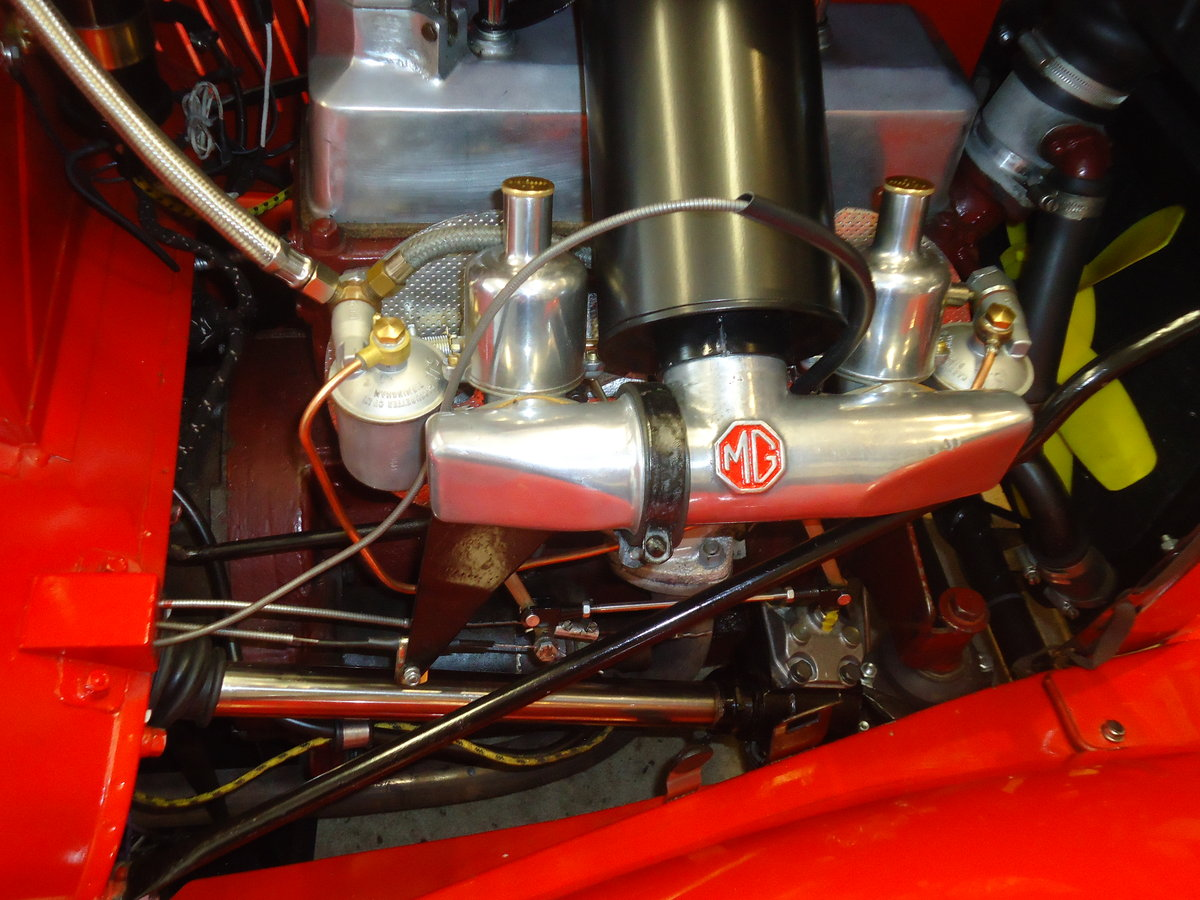 1946 MG TC in red. SOLD (picture 3 of 6)