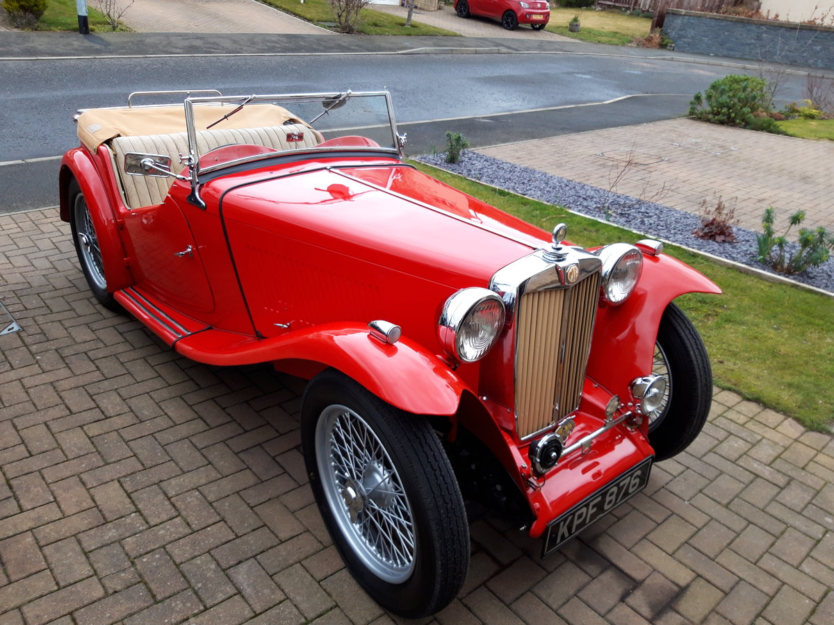 1946 MG TC in red. SOLD (picture 4 of 6)