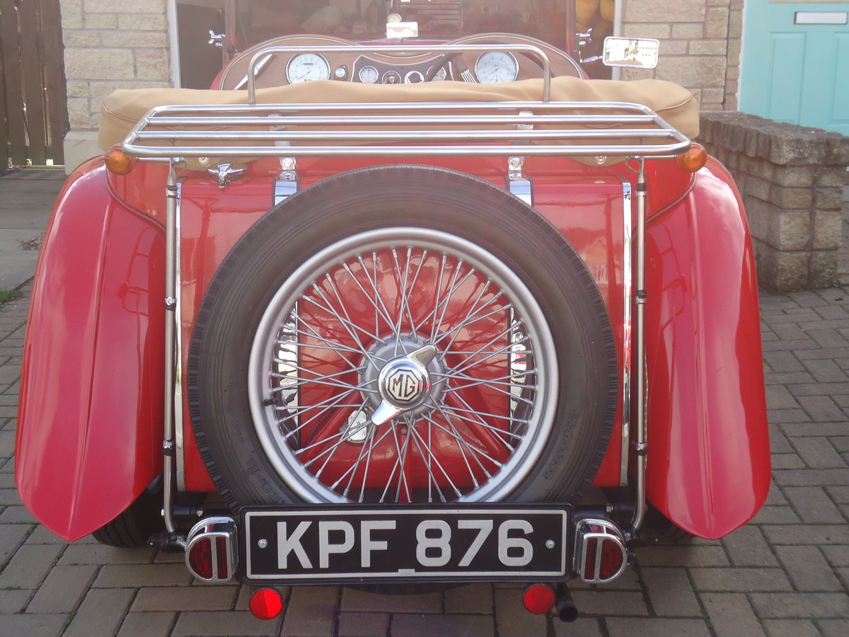 1946 MG TC in red. SOLD (picture 5 of 6)