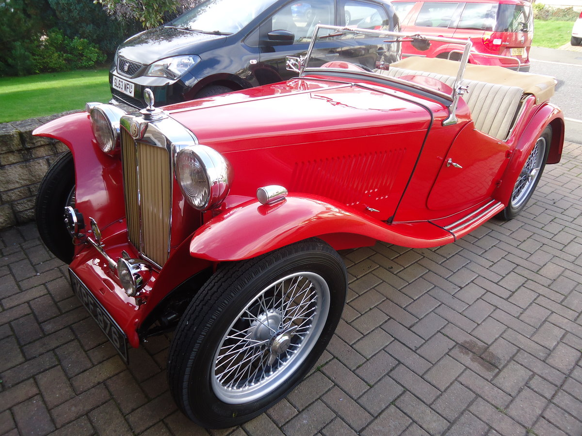 1946 MG TC in red. SOLD (picture 6 of 6)