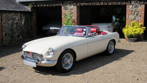 1972 MGB Roadster 1860, Only 4900 from rebuild.
