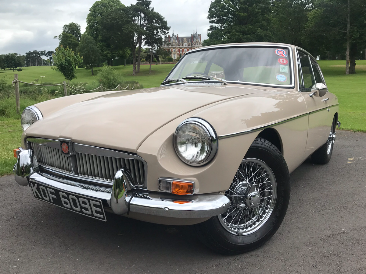 SOLD MGB GT Mk1 1967 Extremely SOLD  For Sale (picture 2 of 6)