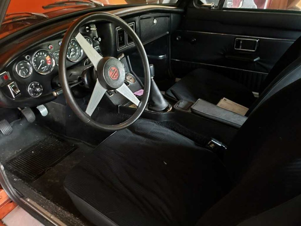 1974 MG MGB GT (Lancaster, OH) $19,995 obo For Sale (picture 2 of 6)
