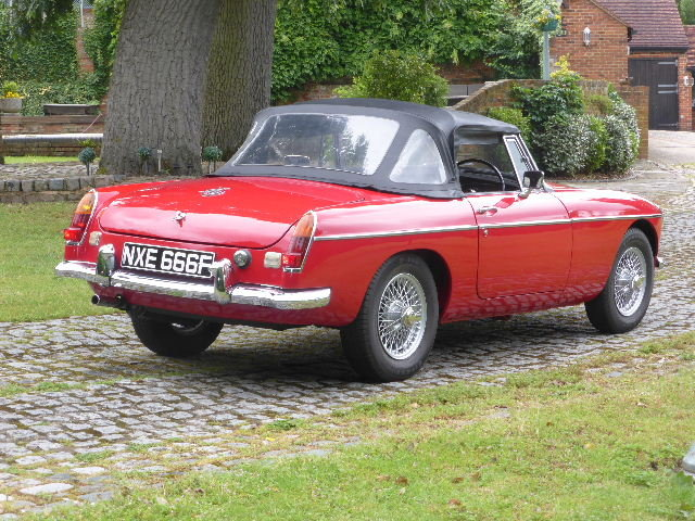 1967 MGB Roadster For Sale (picture 3 of 6)