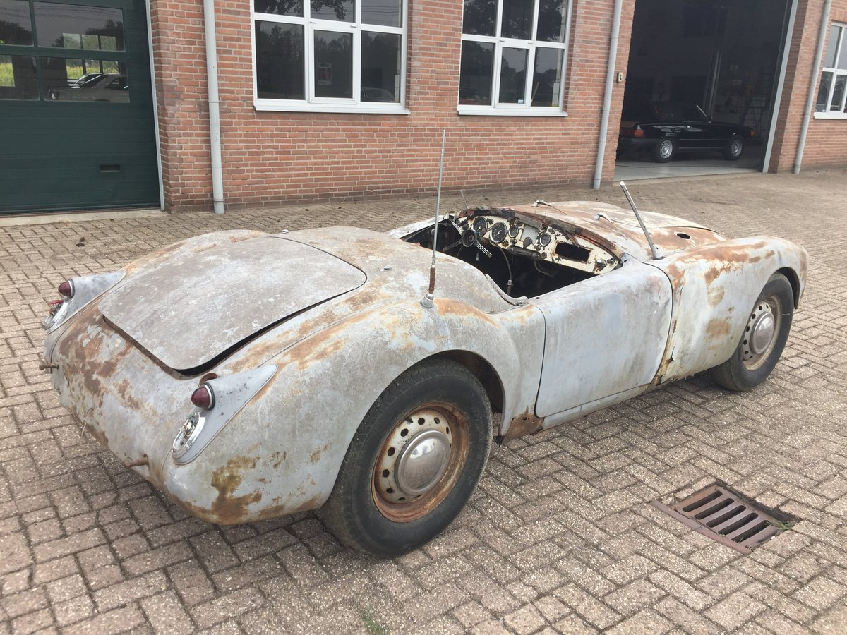 1961 MG MGA 1600 roadster for restoration For Sale (picture 2 of 6)
