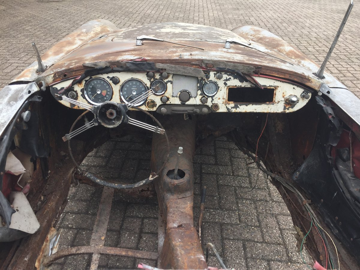 1961 MG MGA 1600 roadster for restoration For Sale (picture 6 of 6)
