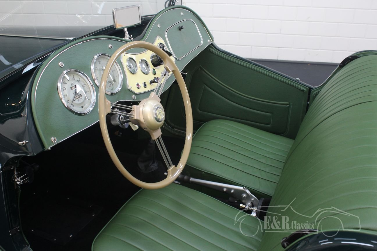 MG TD 1952 British Racing Green Restored For Sale (picture 3 of 6)