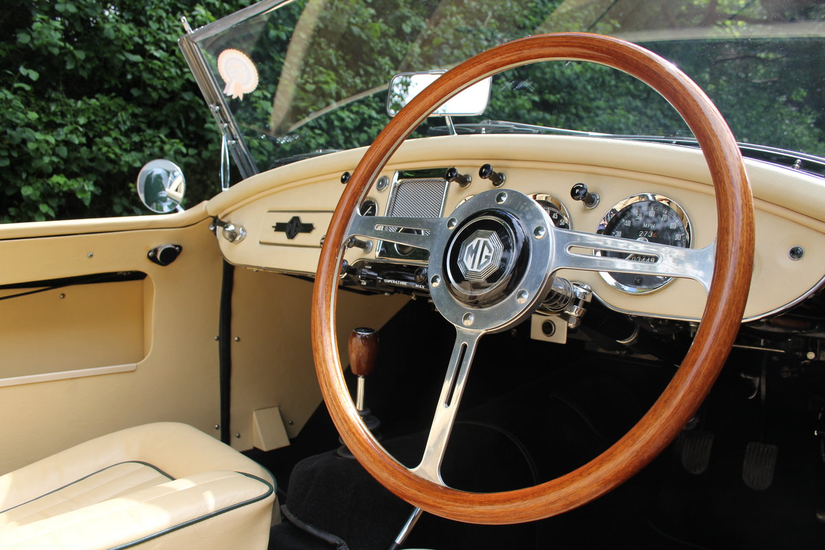 1959 MGA Twin Cam - National Concours 1st SOLD (picture 6 of 12)