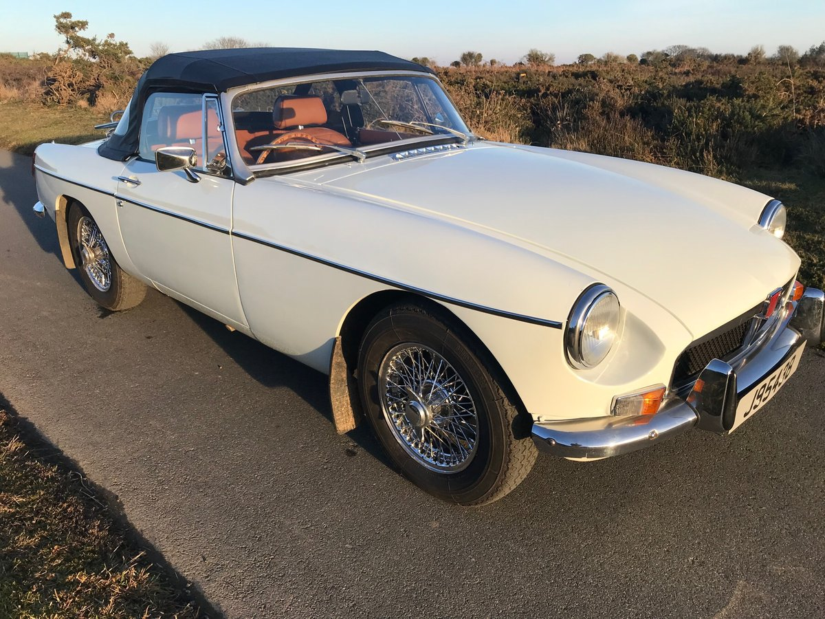 1974 MGB Roadster to Hire  from Jersey Classic Hire.com For Hire (picture 2 of 6)