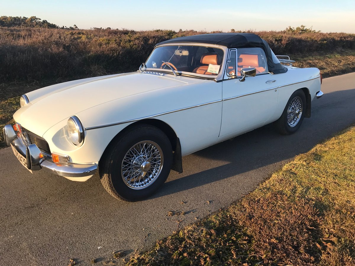 1974 MGB Roadster to Hire  from Jersey Classic Hire.com For Hire (picture 5 of 6)