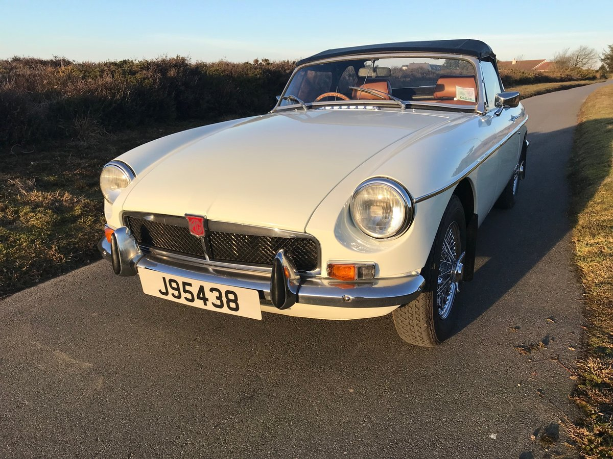 1974 MGB Roadster to Hire  from Jersey Classic Hire.com For Hire (picture 6 of 6)