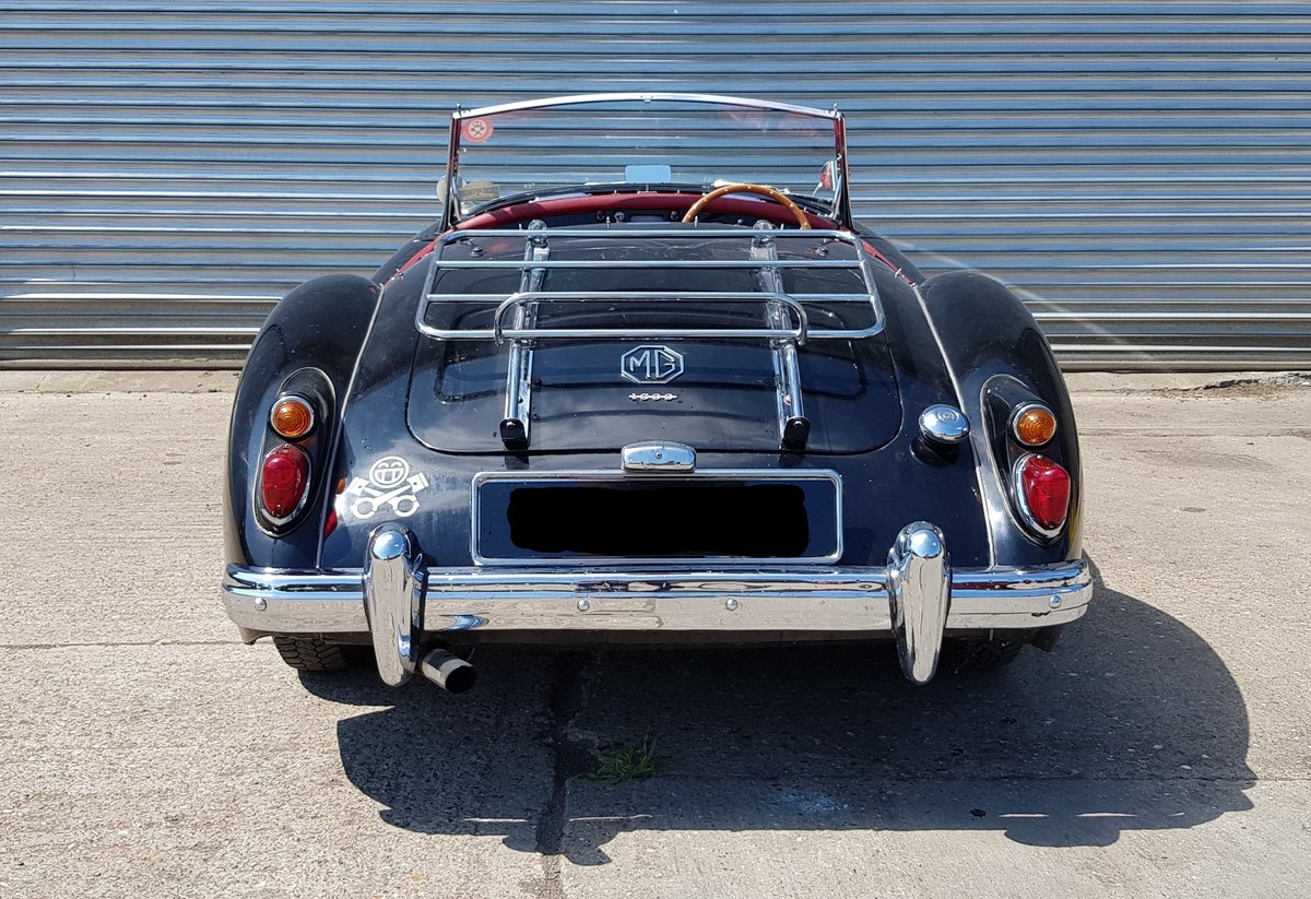 1960 1961 MGA 1600 Mark I Roadster  For Sale (picture 2 of 6)