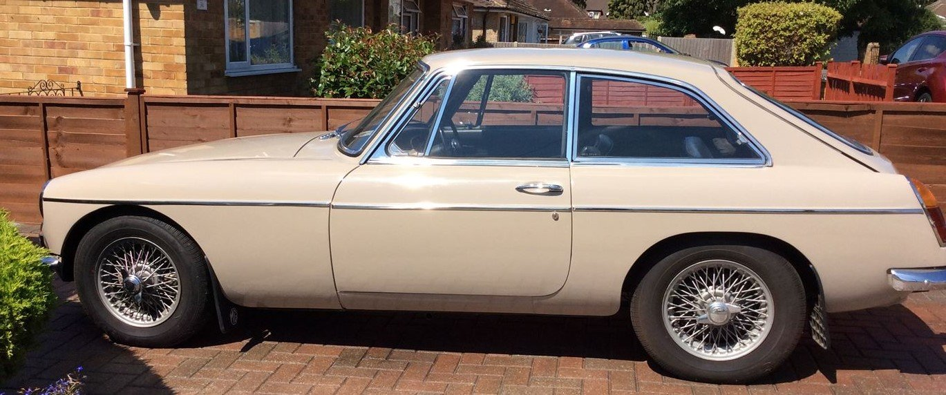 1966 MG B GT Sandy Beige Overdrive SOLD (picture 4 of 5)