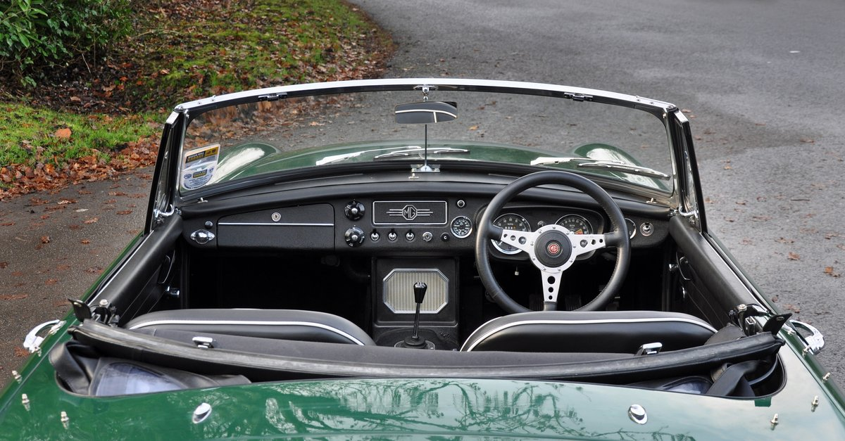 1965 MGB Roadster, Restored with Heritage Shell SOLD (picture 5 of 6)