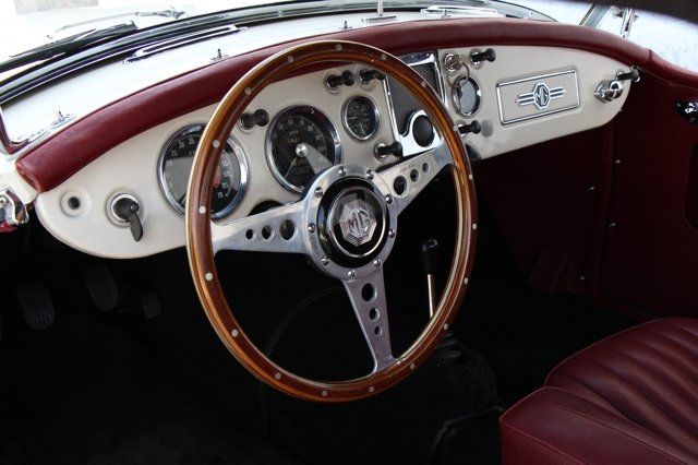 1957 MGA Roadster LHD SOLD (picture 3 of 6)